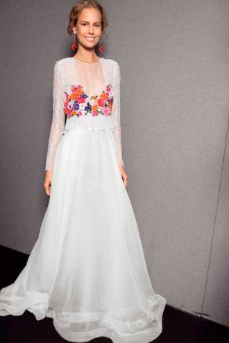 novia con vestido estampado de Alberta Ferreti