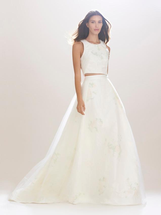 novia con vestido dos piezas
