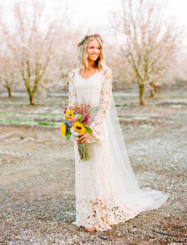 novia con vestido hippie