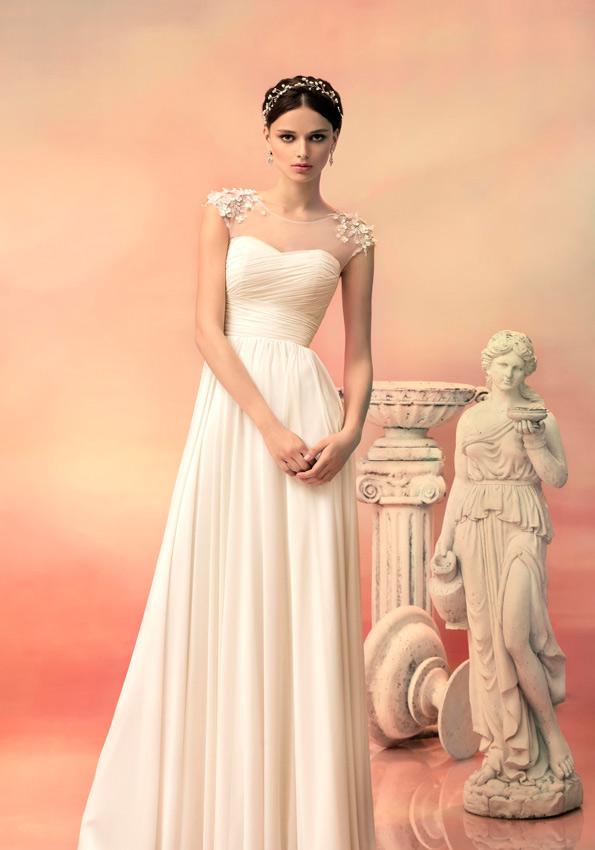 novia con vestido con transparencias