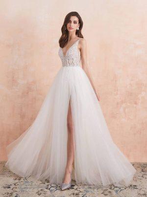 Vestido de novia de corte princesa de tirantes con apertura frontal