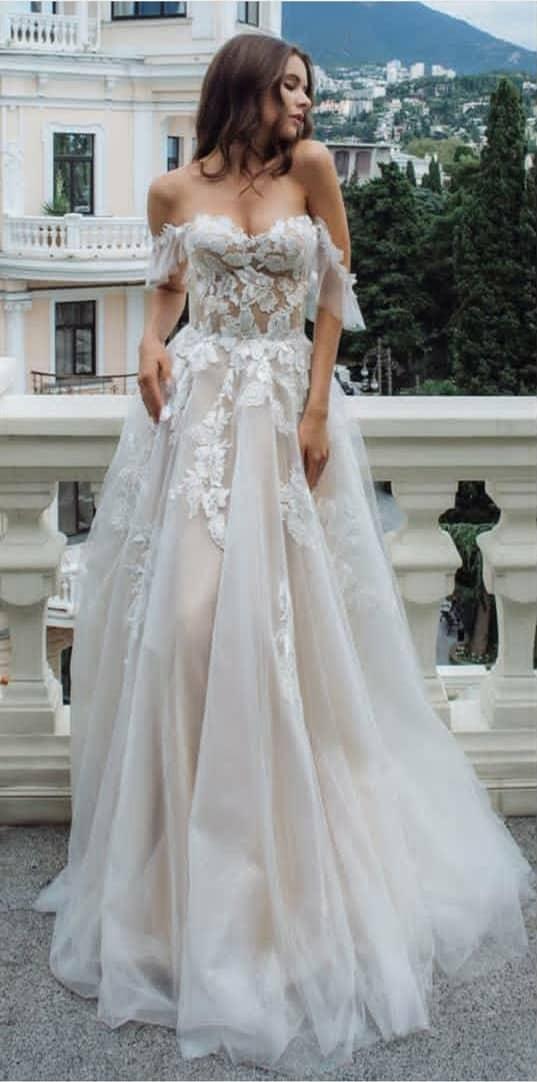 Vestido novia tul encaje escote forma corazón