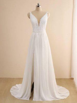 Vestido novia línea A escote pronunciado apertura lateral