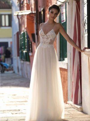 Vestido de novia bohemio con encaje