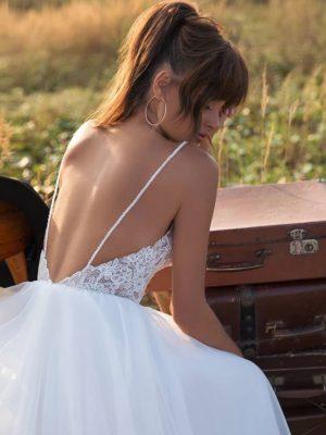 Vestido novia aplicaciones encaje espalda descubierta