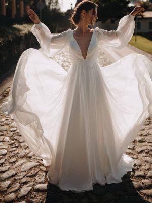 Vestido novia bohemio manga larga volantes