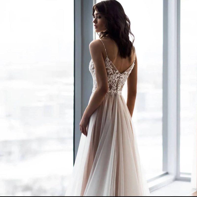 Vestido novia boho corte A tirante espagueti
