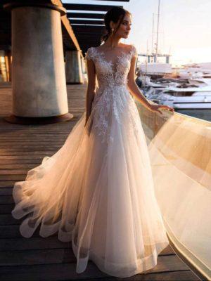 Vestido novia corte A manga larga encaje transparencias