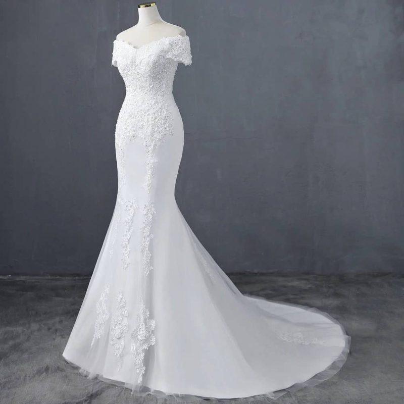 Vestido novia corte sirena hombros caídos incrustaciones