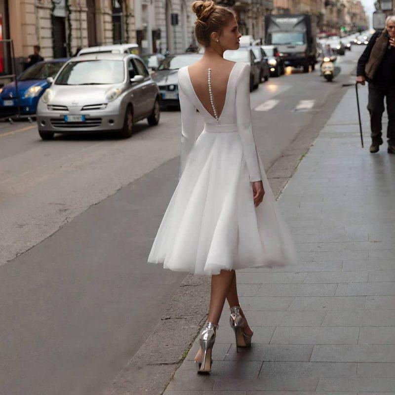 Vestido novia corto manga larga cinturón