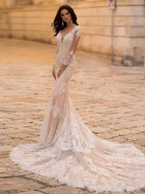 Vestido novia encaje aplicaciones manga larga cola corte
