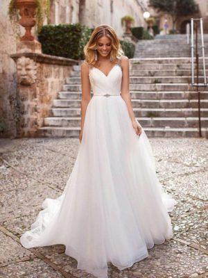 Vestido novia línea A decoraciones tirantes cintura