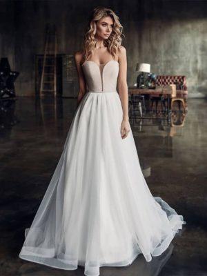 Vestido novia línea A escote corazón manga desmontable decoraciones