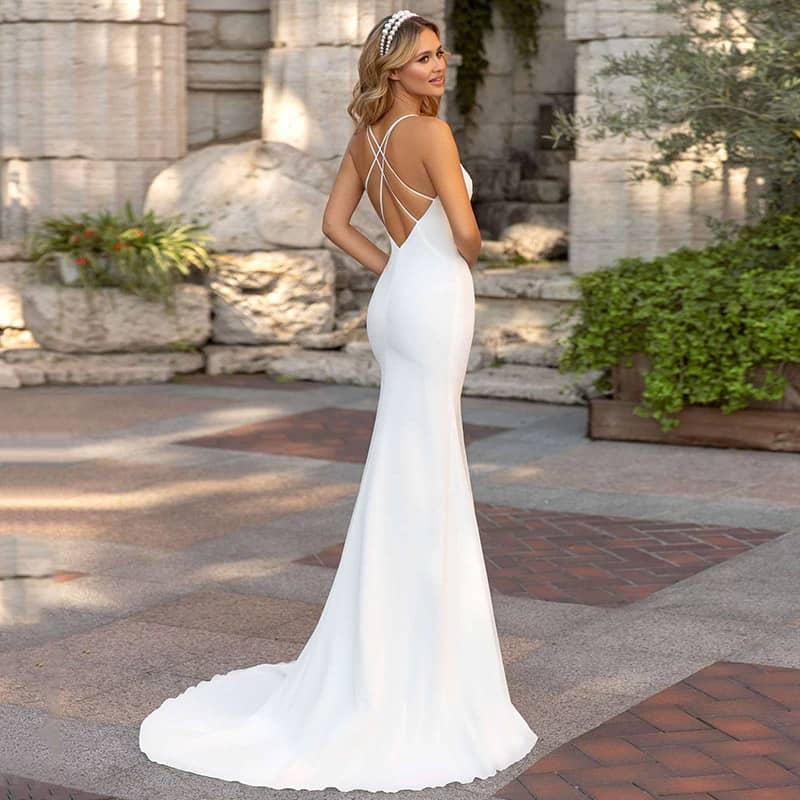 Vestido novia silueta sirena tirantes finos cruzados espalda