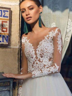 Vestidos novia aplicaciones cola corte