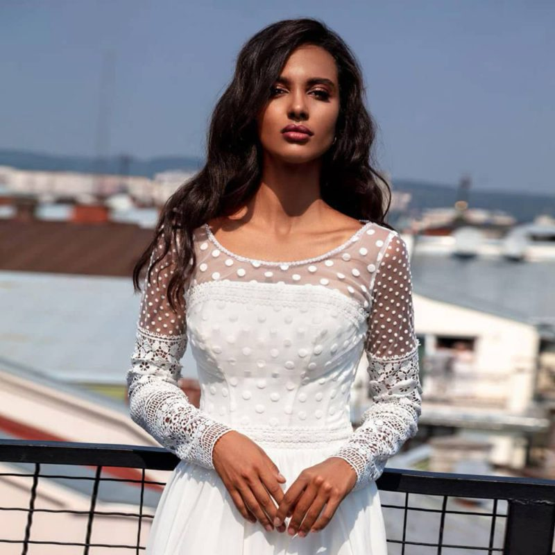 Vestido novia corte A cuello redondo cuerpo manga larga encaje
