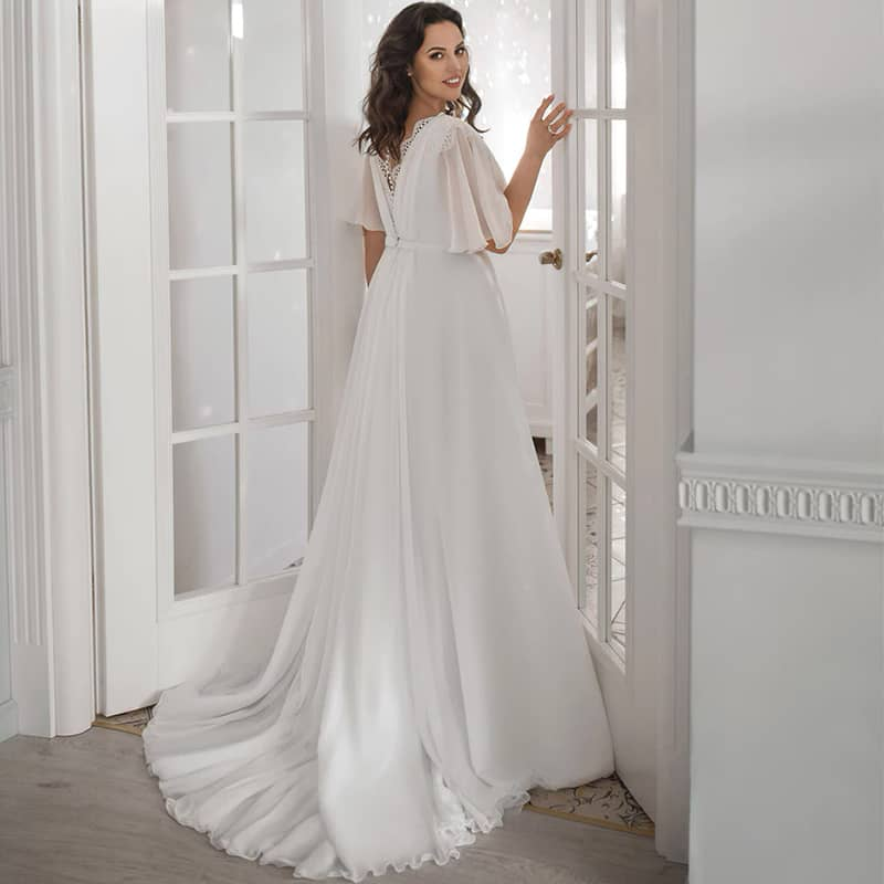 Vestido novia estilo lencero apertura frontal escote V encaje